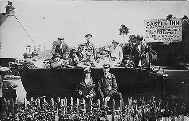 Charabanc outside Castle Inn Essex
