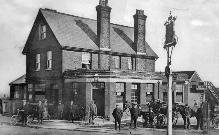 Horse and Groom 1910