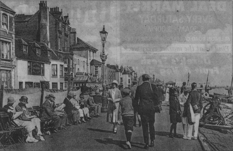 Outside the Port Arms 1930s