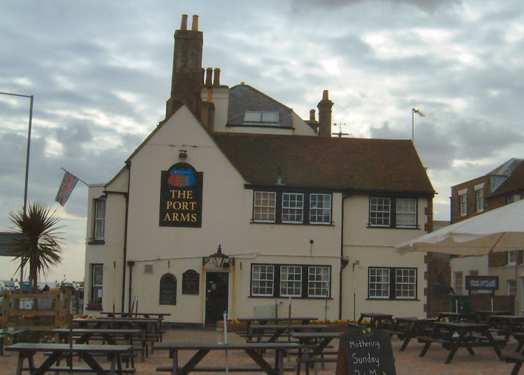 Port Arms in Deal