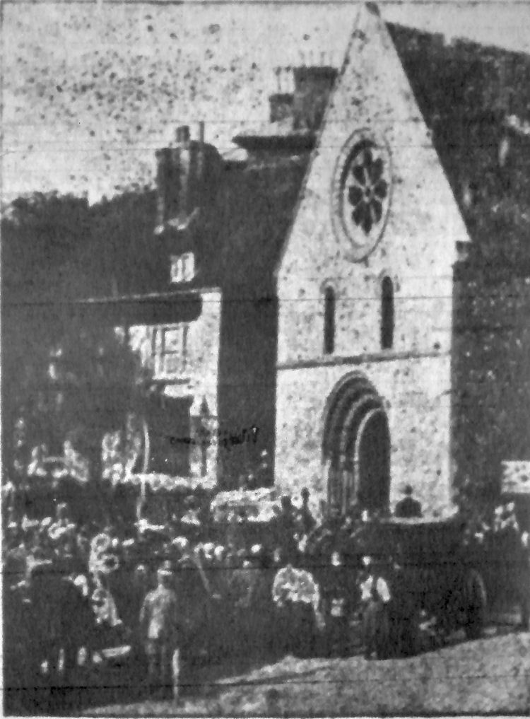 St. James's Church and White Horse 1907