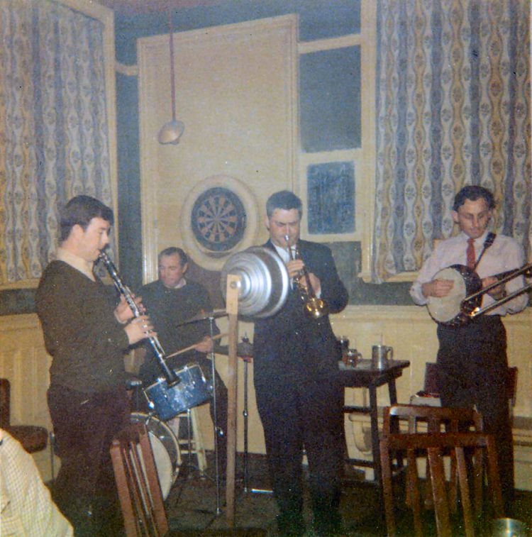 Loyas Jazz band inside the Grapes 1969
